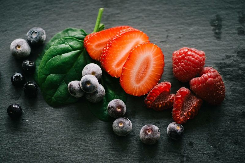 Healthy Eating Fruit Freshness No People Food Indoors  Blueberries Spinach Morning Fit Frozen Berries Resolution Healthy Lifestyle Lifestyle Shake Fresh Indoors  Food And Drink Berries Strawberries Strawberry Rasberries Blueberry Colorful Colors