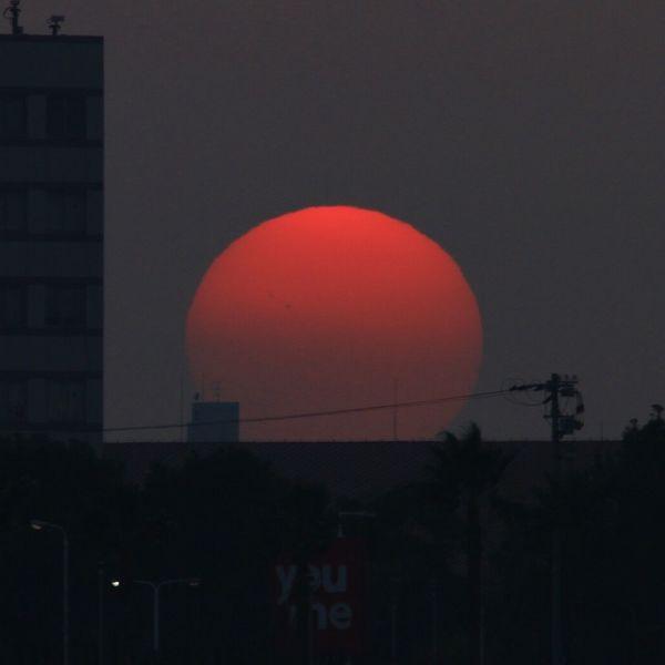 Dragon.51 Scenery Sunsets Sunset Silhouettes Enjoying The Sunset シルエット部 Sunset #sun #clouds #skylovers #sky #nature #beautifulinnature #naturalbeauty #photography #landscape