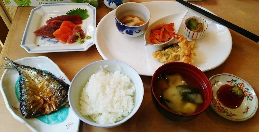 Foodporn Foods Food Porn Food Photography Tokyo Ikebukuro Ikebukuro Asian Food さしみ 焼き魚 天ぷら (ºωº)盛りっとでした