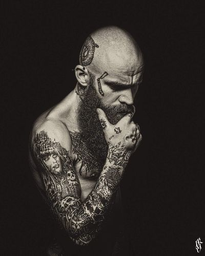 Portrait Only Men Creativity Tattooed Inked Guntphotoart Tattoos Artist Friends Photooftheday Studio Shot One Person Pierced Percings  Black & White Photography Tattoo Life Tattooing