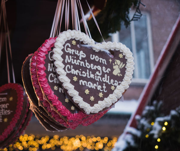 Gingerbread hearts at the Christmas Market in Nuremberg, Bavaria, Germany Christmas Christmas Market Market Nuremberg Travel Xmas Gift Gingerbread Gingerbread Heart Souvenir Souvenirs