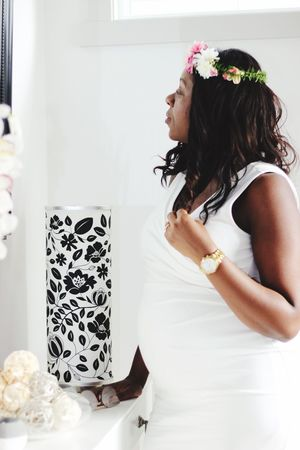 Pretty Preggo Mother To Be Mother Flower Girl Baby Shower Baby White Pregnant Woman Pregnant Belly  Preggo Pregnant Pregnant Phtography One Person Real People Indoors  Lifestyles Women Leisure Activity Young Women Home Interior Hairstyle Looking First Eyeem Photo