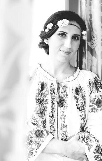 Beautiful Woman Traditional Costume Romanian Tradition Romanianbeauties Romanian Girl Romanian Woman Pretty Eyes Beautiful Girl Portrait Of A Woman Blackandwhite Photography