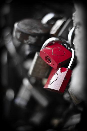Lover's padlock