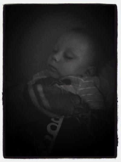 Baby Chaseton asleep with momma. <3 Chasetonalexander Enjoying Life Relaxing