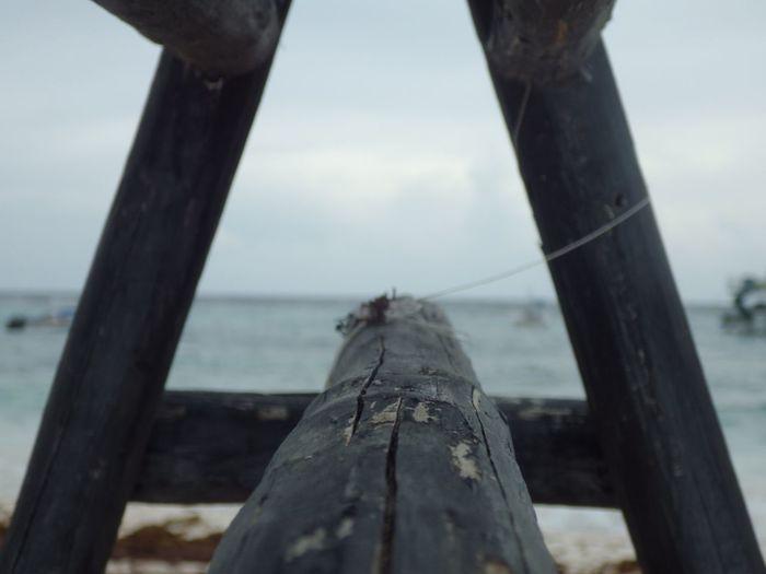 todo depende de la perspectiva con la que lo mires Beach Beachphotography Photooftheday Photography Pentax EyeEm Selects Caribean Sea Caribe Mexico Mar Oceano Atlantico Xpu-ha Wood - Material Day Water No People Sea Outdoors Nautical Vessel Nature EyeEmNewHere
