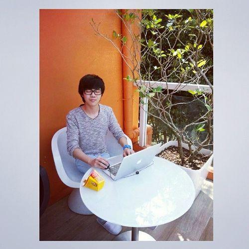 Peaceful Boy under de orange sun Cny Gaming 2014