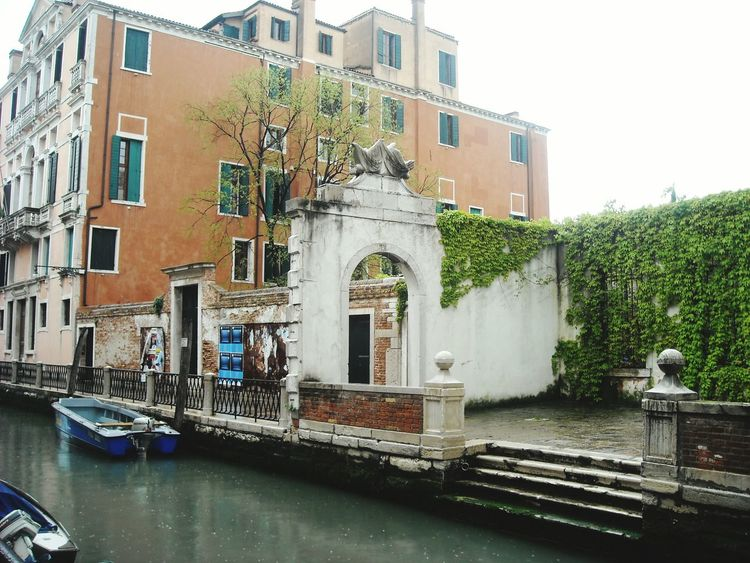 Riverside People Amazing Architecture Europe Trip Old Buildings Romantic Italy❤️ Amazing View Venice Boat Garden