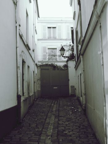 Streetphotography Paris, France  Simplicity Architecture_bw Cobblestones Off The Beaten Path Looking Up Can Be So Rewarding In Last Century OpenEdit Up Close With Street Photography Up Close Street Photograpy Check This Out From Where I Stand Gateway