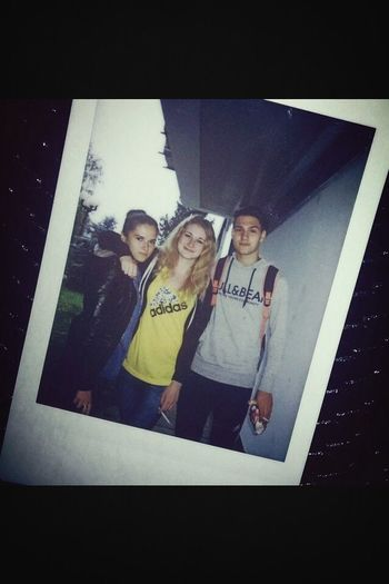 Polaroid Friends From Class Cigarettes In Hand Love♥