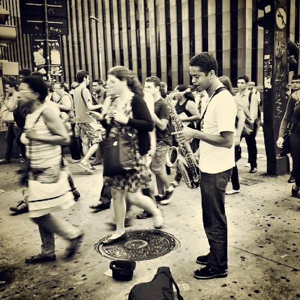 O som ao redor. Photography Urban People Town Musician Music Sax Jazz