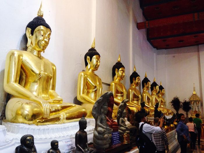 Making Merit Bhuddisttemple Singburi Familytrip Before Bhuddsit Lents Day
