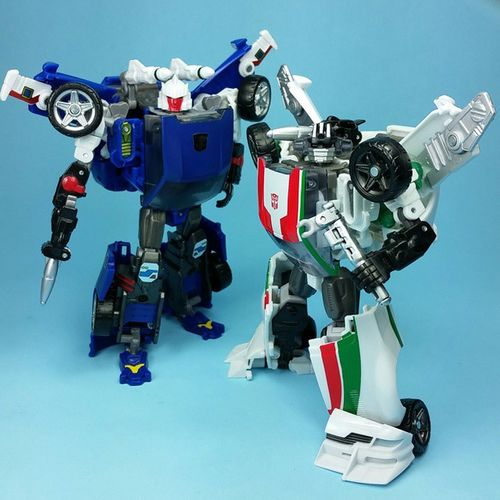 Who wore it best? Transformers Wheeljack Tracks RevealtheShield Reprolabels