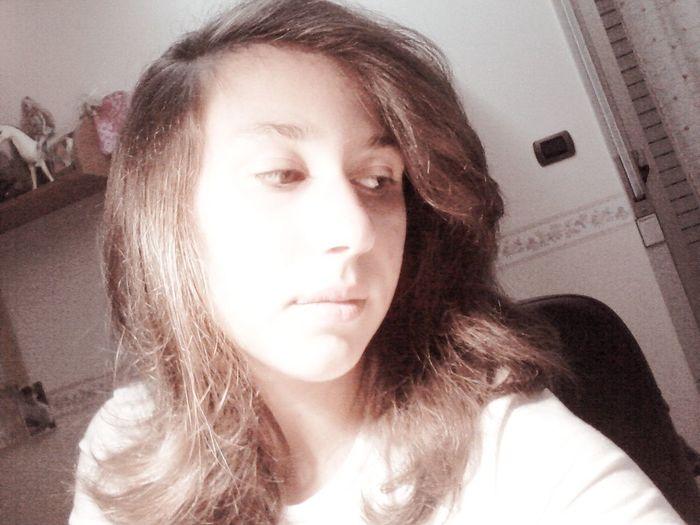 con lo sguardo basso si va avanti senza voltarsi indietro! Selfie Cool Love ♥ Semplice