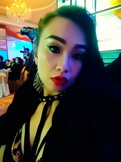 Beautiful Woman MTVHottest Annual Event Annual Dinner Bestdressed Asiangirl Only Me Bold And Beautiful Close-up Real People Companydinner Lucky Me Classy Girl Elegant Dress Sexywoman Evergreen AsianChic