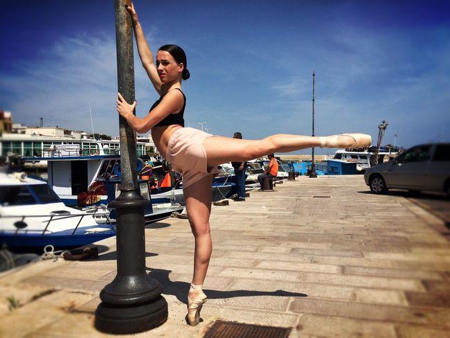 Enlightapp Streetphotography Puglia Ballerine Www.lasinfoniadellabellezza.it Bellezza Italy Fashion