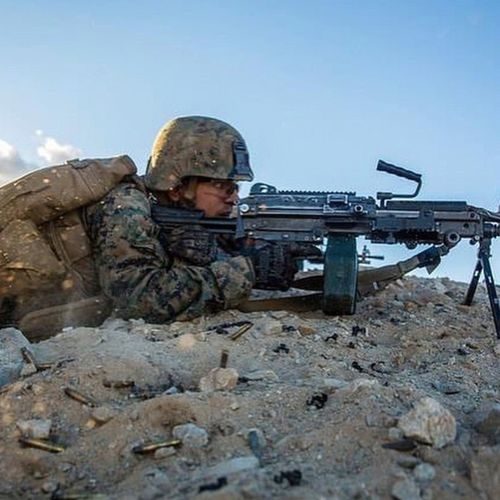 A U.S Marine training with an M249 SAW USA Us Military USMC M249 Saw