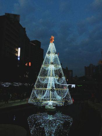 柳川 台中 Christmas Tree Christmas Christmas Decoration Illuminated Building Exterior Celebration Architecture