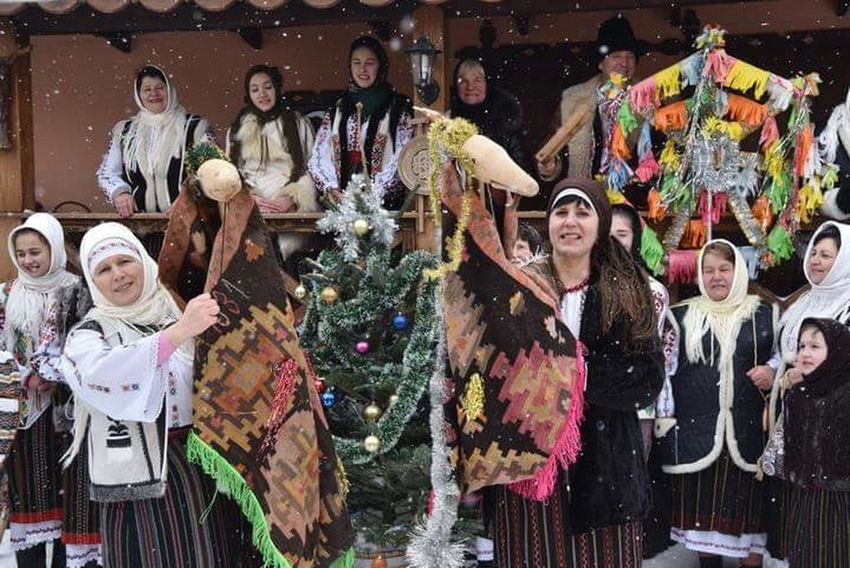 Winter Christmas Arts Culture And Entertainment Winter Holiday Traditional Costume Traditional Culture Republic Of Moldova Happy People❤ Sweet😍