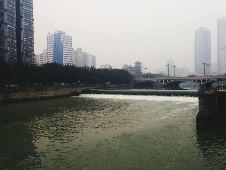 339的府南河已经干涸,想不到九眼桥的河水倒是富余… Enjoying Life