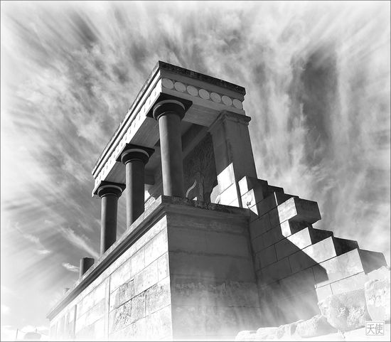 Minoan palace ruins in Knossos, Crete Crete Greece Knossos Palace Minoan Architecture Minoan Palace Architecture Black And White Bronze Age Architecture Low Angle View