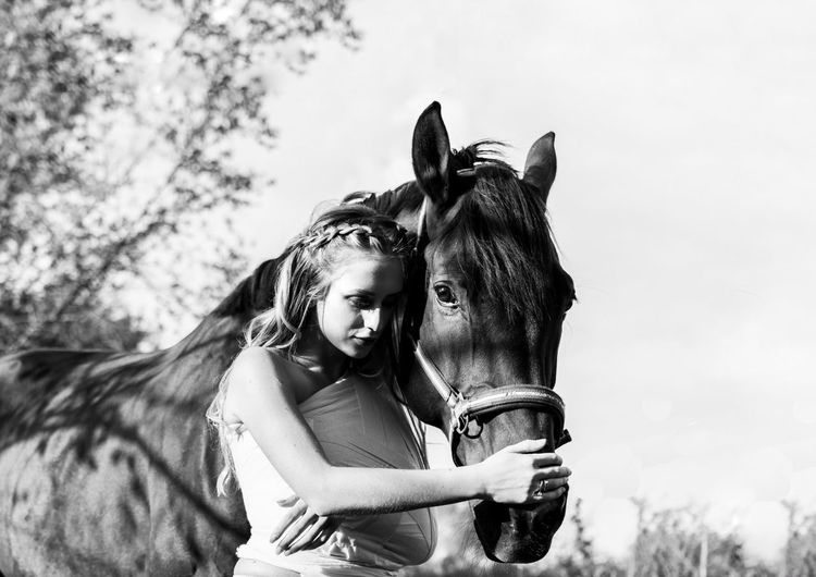 Young Women Child Portrait Friendship Childhood Girls Horse Sky Farmland Posing Field Fashion Model This Is Strength Human Connection