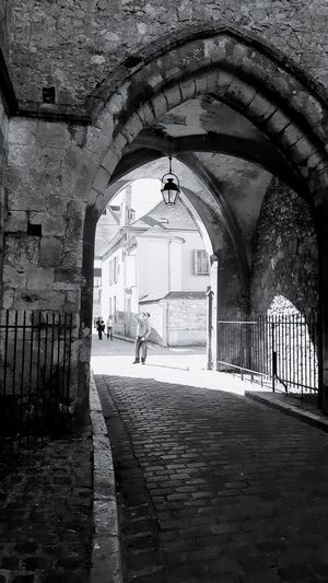 Architecture Architecture_collection Architectural Detail Street Photography One Man Watching Up Sunlight Sunlight, Shades And Shadows Blackandwhite Photography EyeEm Gallery Eye4photography  Provins - France