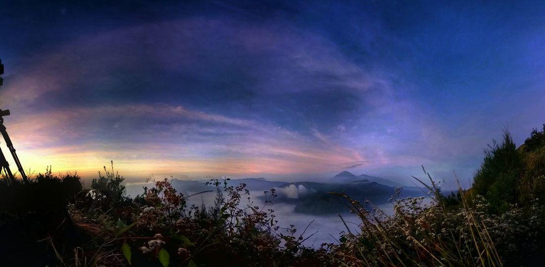 The Explorer - 2014 EyeEm Awards EyeEm Nature Lover Sky_collection Landscape