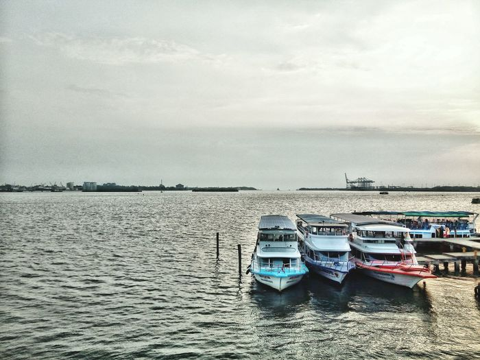 Nautical Vessel Mode Of Transport Transportation Water Day Outdoors No People Sea Moored Sky Cloud - Sky Scenics Nature Landscape Painted Image Kochi Tranquility Old Paint Full Frame Indian Culture  Indian Culture  India Godsowncountrykerala JewTown