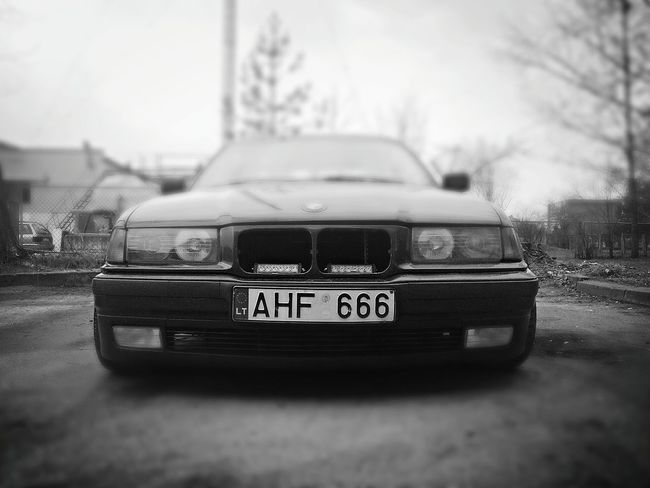 Bmw Blackandwhite 666 Sport Chaser E36 Front View Agressive