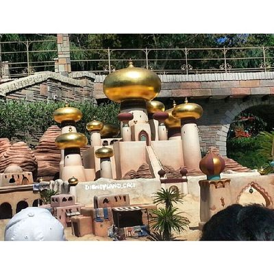 Aladdin.. more storybook canal pictures coming:) Disneyland Storybookcanal Storybookadventure Disneyland_cali