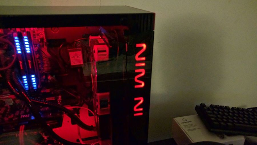 Red Fox Lindas Computer LED Inwin 805c Red Kelvin S24 Fractal Design Kelvin Nexus 6P