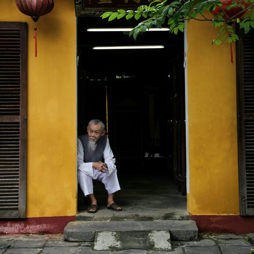 Hội An old town One Person Oldman Person Old Oldtown Hoian, Vietnam Hoian, Vietnam Hoian, Vietnam HoiAnancienttown Door Sitting Streetphotography Streetlife