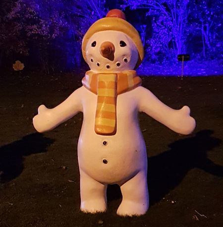 Honestly it's this big Nightphotography PhonePhotography Samsung Galaxy S7 Edge Samsungphotography Photography Sunderland Illuminations Scalf Snow Person Snowman #wooly Hat