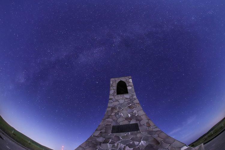 今日耐えれば連休だ~❗何する!何する?😆😆😆 銀河鉄道の夜♪ 一目惚れんず Moonlight 星いのはレンズ Astronomy Galaxy Space Milky Way Astrology Sign Ancient Civilization Star - Space Constellation Clear Sky Star Field