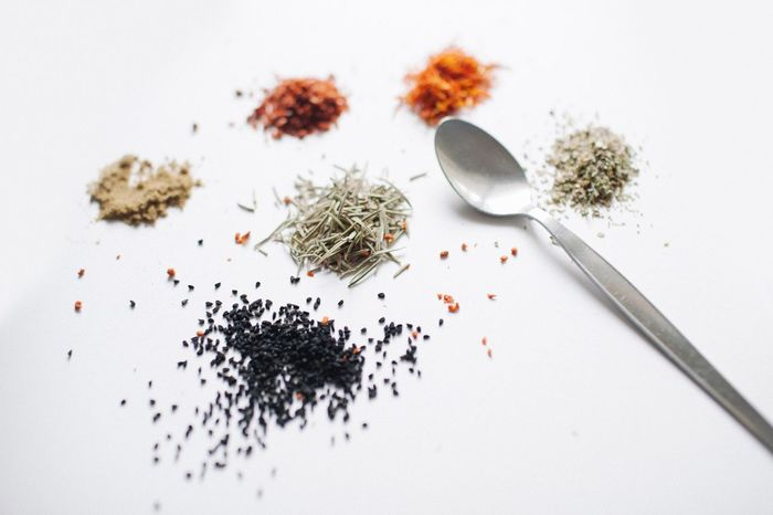 Table High Angle View White Background Close-up Black Peppercorn No People Indoors  Day Spices Saffron Spoon Tablewares Tableware Cooking Dinner Dinner Time Dinner Table Dinnertime Still Life Cook  Healthy Eating (null)Seed Seeds Foodphotography