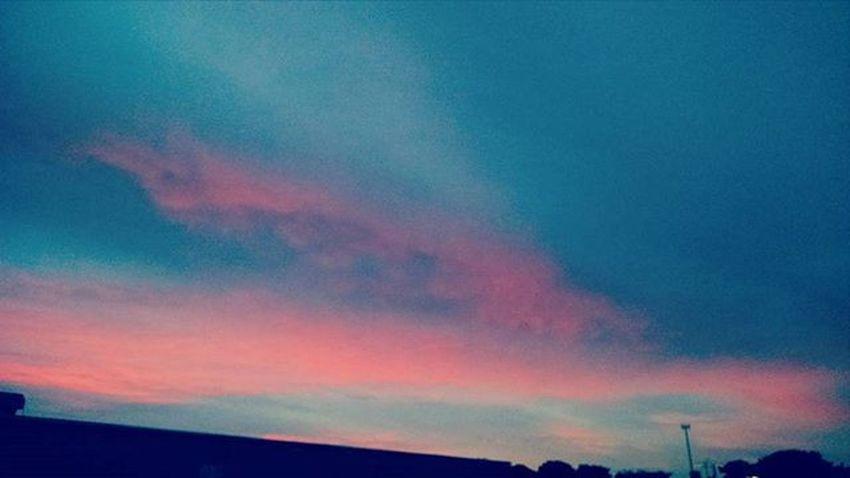 Ihate Mornings , but Sometimes ILove Sunrises Nebraska Nebraska Skies Colors Winter Colors Winter_collection