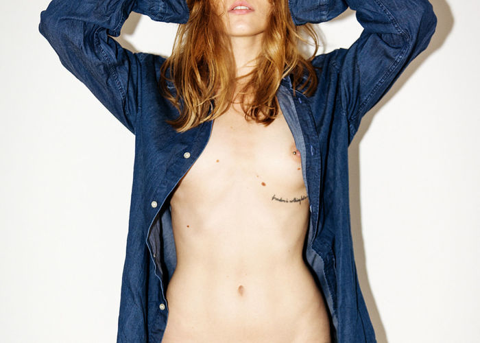 Follow Me Linas Was Here Lips Beauty Brunette Female Girl Indoors  Model Nipplepiercings Nüde Art. T-shirt Tattoo Toplesswoman