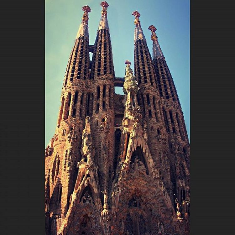 Buenos Dias Barcelona!💋 Sagradafamilia Barcelona SPAIN Amazingarchitecture Architecture AntoniGaudi Random RandomShot RandomPhoto Photo Picture Pic Foto Portrait Camera CaptureTheMoment Hobby DownTime InstaTravel Travel InstaShot InstaPic Photography PhotographyIsLife PhotographySouls Photographer PhotoOfTheDay PicOfTheDay MissDivasPhotoOfTheDay TravelTheWorldWithMissDiva