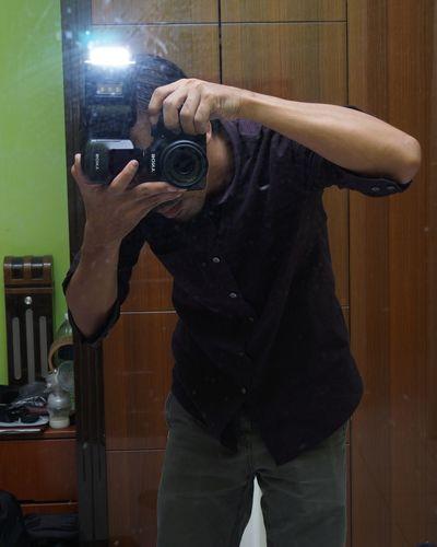 Kota Kinabalu Sabah Borneo Sony Alpha Sony Sonya3500 Malaysia Human Hand Camera - Photographic Equipment Arts Culture And Entertainment Holding Mirror Camera Selfie Digital Camera SLR Camera Self Portrait Self Portrait Photography