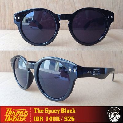 THE SPACY BLACK. Throne39 Fall Catalogue Sunglasses eyeglasses . Online order to : +62 8990 125 182.