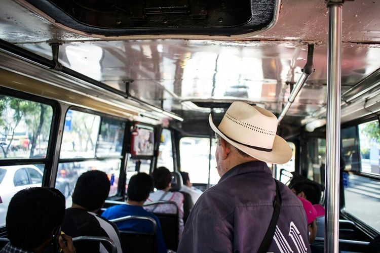 Learn & Shoot: Layering Streetphotography Public Transportation People Mexico City Taking Photos EyeEmBestPics EyeEm Gallery Popular Photos