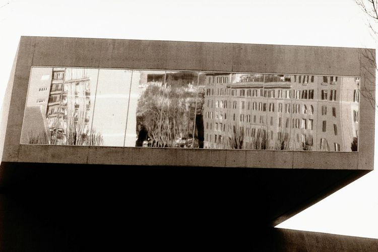 Architecture No People Building Exterior Window Reflection Film Photography Film Is Not Dead Urban Landscape Blackandwhite Photography Outdoors Built Structure Black And White Urban Landscapes Urban Geometry Geometry Pentacon Fomapan Window Reflections