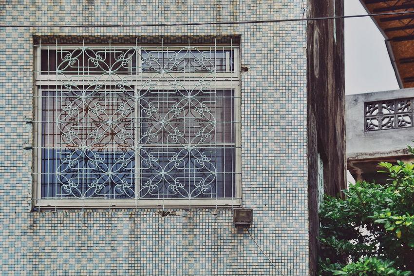 ゆ2017.07.26 EyeEm Nobisclass😛 The View And The Spirit Of Taiwan 台灣景 台灣情 VSCO Vscocam ゆ在小巷小弄裡 窓萌 鐵花 鳳山 高雄市 Taiwan