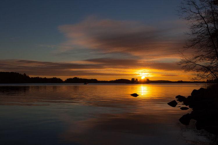 Sunrise at Kuopio, Finland 2.11.2015 1635mm 5dMarkⅡ Amateurphotography Amazing Beautiful Beauty In Nature Canon Clouds Colorful Colors Finland Kuopio Lake Landscape Light Nature Rocks Sky Sunrise Waterfront Wideangle