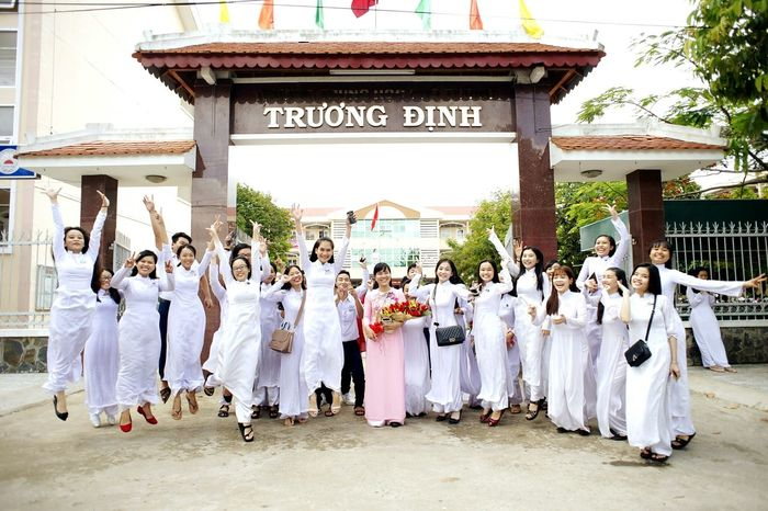 Good Bye School :D High School Memories High School Traditional Village Smile :) Adult Outdoors áo Dài ❤