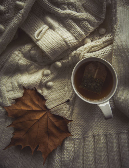 Autumn Autumn Colors Autumn Leaves Autumn🍁🍁🍁 Close-up Day Drink Food And Drink Freshness High Angle View Indoors  Kerber Leaf No People Photography Tea Tea Time Always Be Cozy