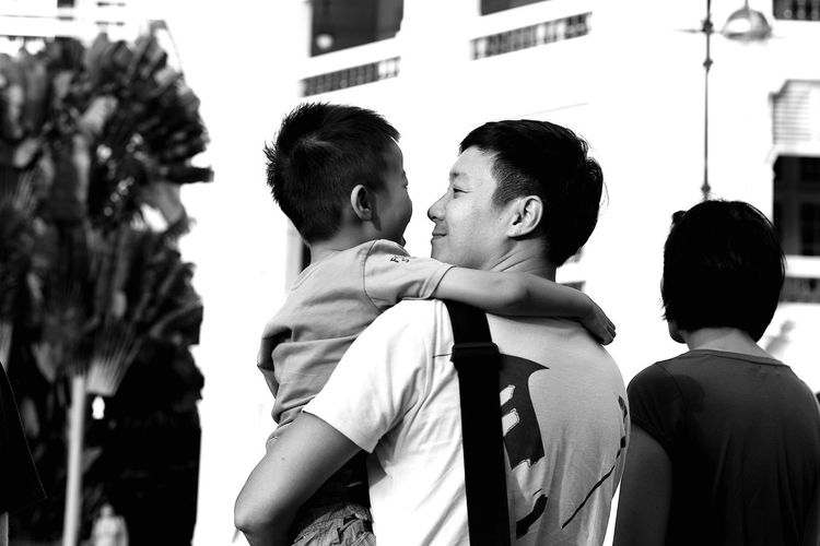 Modern Father Walking Around Monochrome People Photography Streetphotography