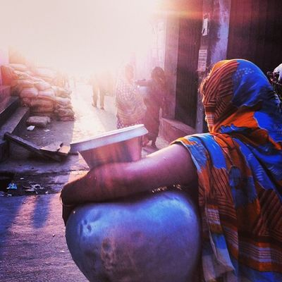 Sun Ray Light Shadow Winter Afternoon Street Women Veil Pitcher Water Carry Color Tradition Daily Life Chaktai Chittagong City Instagram The Photojournalist - 2017 EyeEm Awards The Street Photographer - 2017 EyeEm Awards