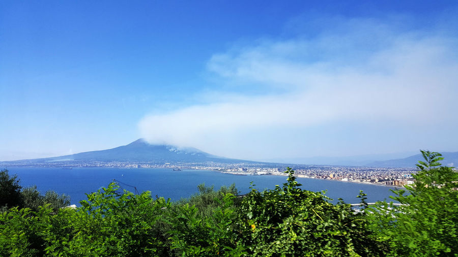 Beauty In Nature Blue Day Horizon Over Water Landscape Mountain Nature No People Outdoors Scenics Sea Sky Tranquil Scene Tranquility Tree Volcán Water
